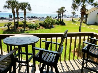 Blue Surf 2, Super townhouse, just across the street from the beach!