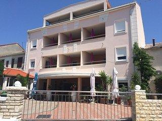 Modern Apartment Biba Ocean at city center of Novalja, Novaglia
