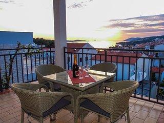 Spacious SEA view apartment, BEACH 5 min