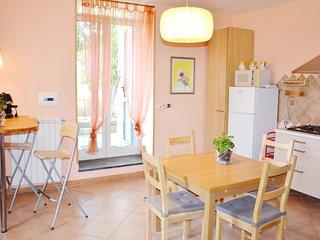 Appartamento in villa con giardino, posto auto e Wi-Fi