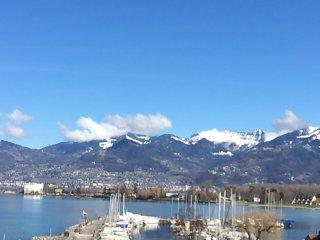 Appt vacances terrasse vue magnifique sur lac Leman et les Alpes