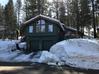 NorthStar Village House with door-to-to Shuttle Service, Truckee