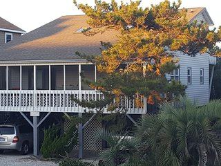 Sunrise Serenade- A perfect balance of quiet beach life with activity close by, Sunset Beach