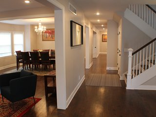7 Bedroom Remodeled Home Perfect for Groups, Kansas City