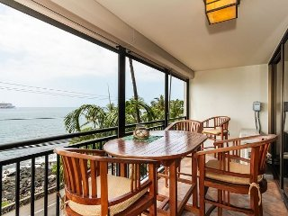 Large Oceanfront 1 bedroom, 2 bath condo right down town, great Ocean views