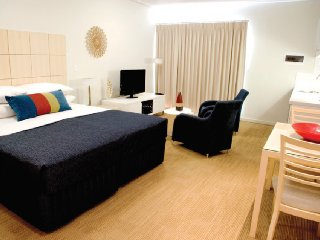 Geraldton Waldorf Studio executive Apartment