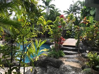 Tropical Love Shack One Bedroom Steps to Kailua Beach