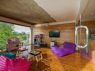 Bali Holiday Villa 27022