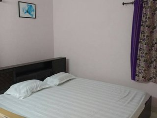 Live in Peace and Comfort - Fully Equipped 2 Bedroom apartment in Kolkata, Kolkata (Calcutta)