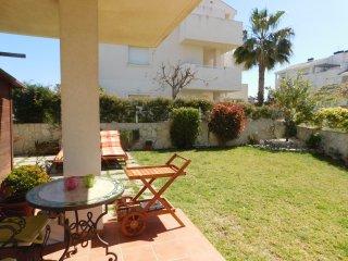 Vivienda con jardín privado en urbanización con pi, Els Poblets