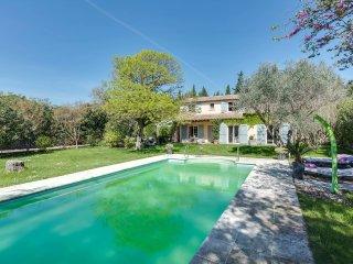 Charmante villa avec piscine a Maillane
