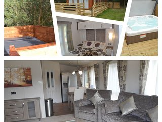 The Chillingham, Felmoor Park Luxury Hot Tub Lodge, Morpeth