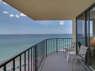 Sunbird penthouse w/stunning Gulf views, 3 beachfront pools, & tennis!