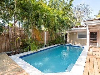 Nautilus House - Gorgeous monthly home w/ private pool