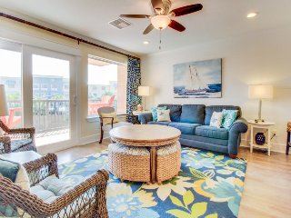 Dog-friendly condo with shared hot tub, and pool views!