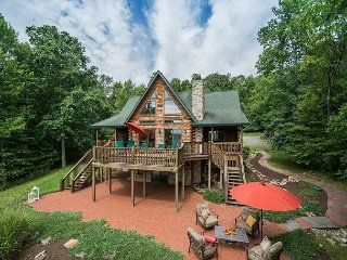 Stunning lake views, great outdoor space, close to Wisp!, McHenry