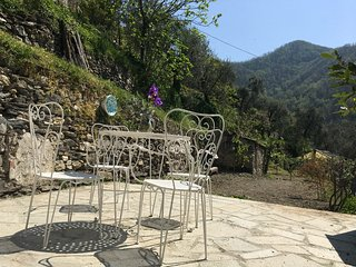 Charme,confort,  in  stone house with private terrace and view, Borghetto d'Arroscia