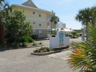 Beachwalk Villas 221, 3BR/2BA beachside condo!  Steps to the beach!!!