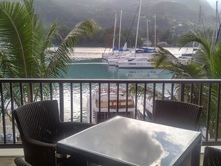 Eden Island Marina  Apartment  (incl. Electric Car, WIFY, Sat TV, next to Pool), Isla de Eden