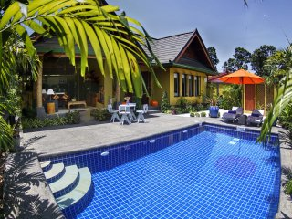 Romantic New 1 Bed Villa with Pool & Jacuzzi, 650 mtrs from Sea & free transfer