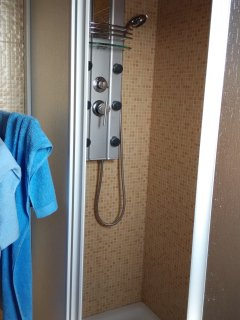 Amplia ducha 1,10*0,80. La comodidad lo primero!