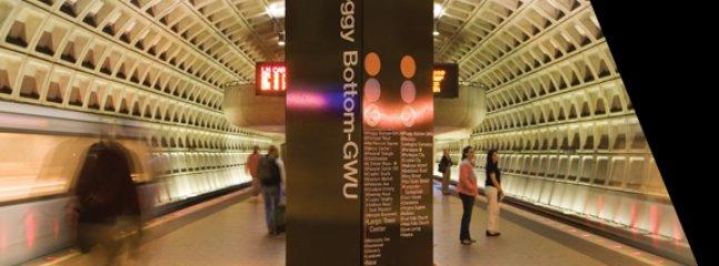 Foggy estação inferior Metro apenas 7 quarteirões de distância!