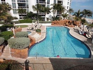 2BR Luxury Suite at Trump International Beach Resort, Sunny Isles Beach