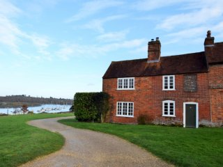 47856 Cottage in Beaulieu, Exbury