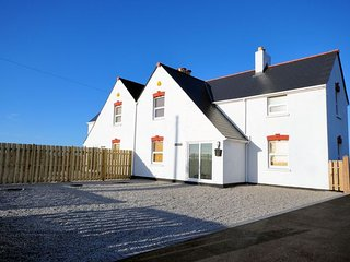 TRESE House in Newquay, Mawgan Porth
