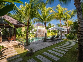 Kuta Holiday Villa 10054