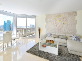 Downtown Miami Penthouse - Up to 5 guests