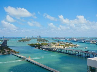 Downtown Miami PH Unit - Up to 5 guests