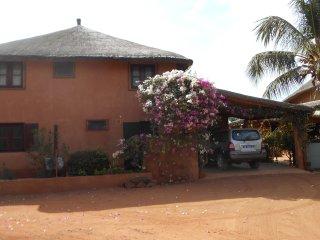 Villa 4 Chambres avec Piscine, Nianing
