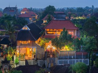 *New* Unique & Quiet Central Ubud Town 5BR Villa