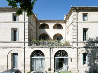 Provence 3 Bedroom, 1.5 Bath Terrace on Rhone
