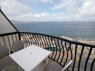 Stunning vies, Seafront 2-bedroom Apartment