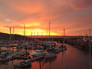 Spacious Penthouse over looking Bangor Marina
