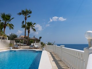 Exclusive! Luxury villa with fabulous views!