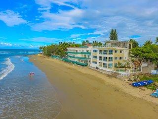 2 bedroom luxury Beachfront Apartment