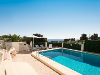 Javea villa, stunning sea views ,private pool, 2 bathrooms, Free Wifi, aircon