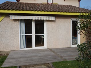 Villas du Lac 19 - Quality 2 Bed Villa  near French Spa capital, Dax.