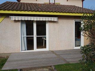 Villas du Lac 19 - Quality 2 Bed Villa  near French Spa capital, Dax.