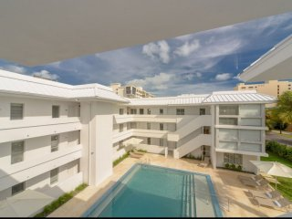 ASK FOR DISCOUNTS - Beach Haus - Modern 2 Bedroom Key Biscayne Condo Minuets fro