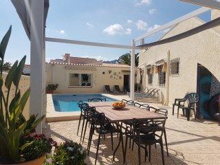 Casa Mi Pajobe La Nucia : kindvriendelijke alleenstaande villa met prive-zwembad