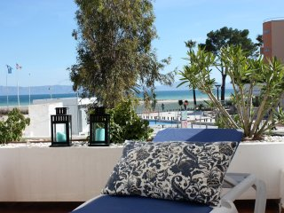 Seafront Sandy Beach Apartment in the north of Mallorca, Alcudia