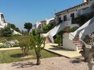A louer: Appartement Costa Blanca dans lotissement calme, verdoyant et fleuri