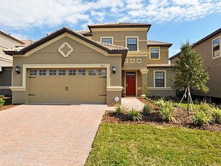 Gorgeous 5 bedroom 4.5 bath Champions Gate home from $165nt