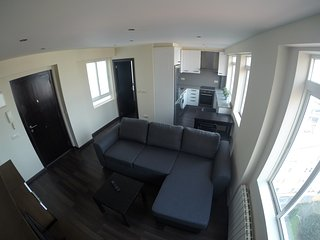 Precioso apartamento de 2 habitaciones. Bien situado.