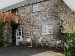 Ground Floor Beamed Cottage in Hamlet Near Coast