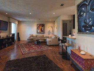 Beautiful Modern Remodel in Austin!